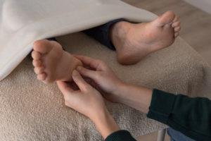 réflexologie pied stimulation du talon